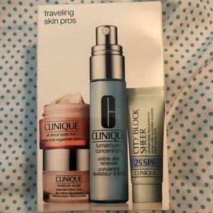 NEW Clinique kit, 4 piece set, Traveling Skin Pro